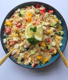 Zomerse couscous – Tasty Food SoMe recepten veganisten I Love Food, Good Food, Yummy Food, Clean Eating, Healthy Eating, Confort Food, Salad Recipes, Healthy Recipes, Tapas