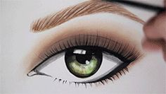 Unleash Your Inner Artist with La Palette Nude from L'Oreal Paris. Create Makeup Artist inspired looks at artofnude.com