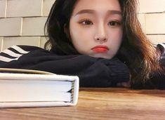 Pretty Korean Girls, Cute Korean Girl, Pretty Asian, Asian Girl, Aesthetic Japan, Aesthetic Girl, Girl Korea, Ulzzang Korean Girl, Selfie Poses