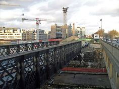 pont national Tramway, Paris Photos, New York Skyline, Train, The Neighborhood, Ile De France, Bridge, Strollers