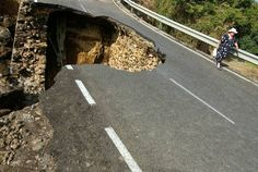 Sinkholes | Disastrous Sinkholes From Around the World