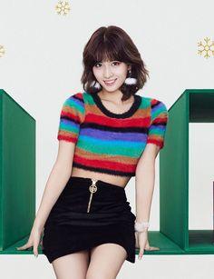 Momo Twice Heart Shaker Pretty Asian, Beautiful Asian Women, South Korean Girls, Korean Girl Groups, K Pop, Extended Play, Nayeon, Dahyun, Hirai Momo