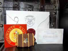 DIY Hogwarts Ornaments! Visit my site for free home use only template downloads ;)