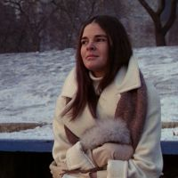 Ali Macgraw in Love Story story ali mcgraw Ali MacGraw in Love Story Is My Style Icon Golden Age Of Hollywood, Vintage Hollywood, Ali Macgraw Love Story, Love Story Movie, Ali Mcgraw, Preppy Style, My Style, Estilo Preppy, Famous Movies