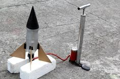 Titel afbeelding Build a Bottle Rocket Step 11