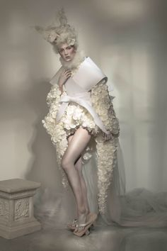 Eluxe Magazine editorial model: Gabriella of MMG Models hair&makeup: Jojo Dantespadua photographer: Peter Richweizs