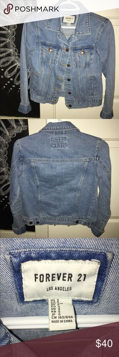 Jean jacket Forever 21 jean jacket size S never worn!! Sooo cute and comfy. Forever 21 Jackets & Coats Jean Jackets
