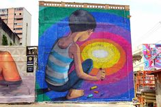 El street art tiene el maravilloso poder de cambiar la visión que tenemos de un lugar y regalarnos una nueva realidad mucho más bonita. Su gran fuerza radica en que es accesible a todo el mundo y e…
