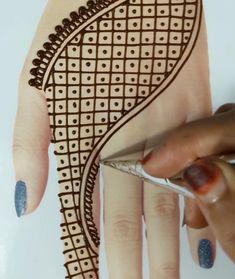 Pretty Henna Designs, Henna Tattoo Designs Simple, Basic Mehndi Designs, Latest Henna Designs, Floral Henna Designs, Back Hand Mehndi Designs, Finger Henna Designs, Mehndi Designs 2018, Mehndi Designs For Beginners