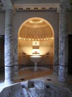 Villa Kerylos bath