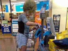 Due to some ridiculous people of Walmart, some people hate shopping at Walmart stores. You must like the some of the weird, and most hilarious Walmart customers. - Page 8 of 8 Meanwhile In Walmart, Funny Walmart People, Funny Walmart Pictures, Only At Walmart, Walmart Photos, Funny People, Funny Photos, Walmart Humor, Funny