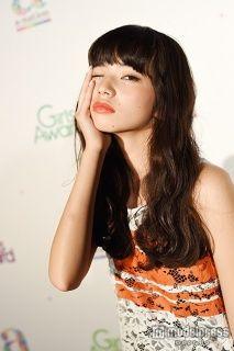 【モデルプレス】今まさにブレイク中の小松菜奈(18)がモデルプレスのインタビューに応じた。映画『渇き。』(6月公開)のヒロイン役で、女優として本格的に演技に挑戦。この先も、まもなく公開を迎える『近キョリ恋愛』(10月11日公開)、そして『バクマン。』(2015年公開)と話題作への出演が続く。