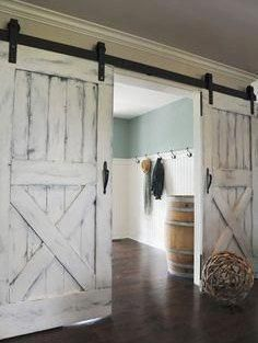 The modern farmhouse design isn't just for rooms. The farmhouse design entirely displays the entire style of the home and the family tradition also. This totally reflects the entire style… Farmhouse Design, Farmhouse Style, Farmhouse Door, Rustic Farmhouse, Farmhouse Ideas, Rustic Design, Barn Door Designs, Inside Barn Doors, Sliding Barn Doors