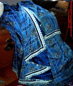 Back drapery picture. The drapery has been lined with blue taffeta.