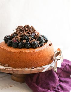 Desserts for Breakfast: Almond and Blackberry Cake, with a hint of chocolate. Makes one 8 x cake. Just Desserts, Delicious Desserts, Yummy Food, Sweet Recipes, Cake Recipes, Dessert Recipes, Blackberry Cake, Blackberry Cheesecake, Blackberry Recipes