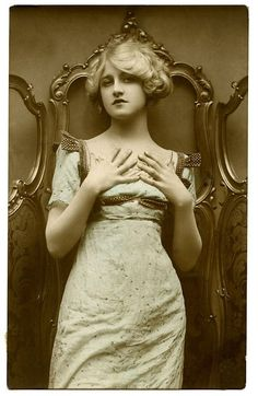 Old Photo – Glamour Girl – Beauty