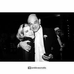 Quando o pai da noiva adota a Fotógrafa ❤  Foto: @niltinho_neto (Niltinho)  Casamento Patrícia e Ricardo  Conheça mais do nosso trabalho em:   www.candidavasconcellos.com.br