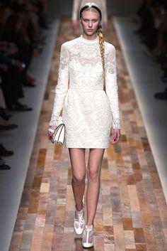 Valentino Fall 2013 Ready-to-Wear Fashion Show - Juliana Schurig (Elite)