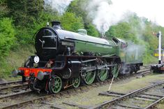 British Railways built but carrying LNER livery, Thompson Mayflower runs round its train at Shackerstone station, looking as immaculate as always. Steam Trains Uk, Old Steam Train, South America Destinations, Steam Railway, Train Times, British Rail, Train Engines, Rolling Stock, Steam Engine