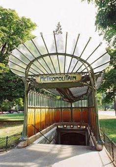 Édicule pour la station de métro porte Dauphine // PARIS