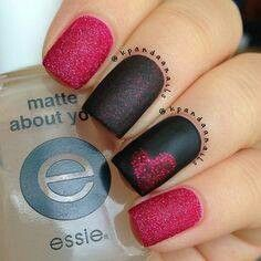 black and red #nails #valentinesday #hearts #matte
