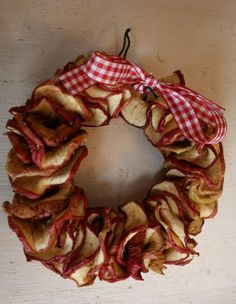 love this dried apple wreath!