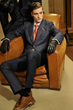 Alfred Dunhill Fall/Winter Show Human Poses Reference, Pose Reference Photo, Alfred Dunhill, Suit Shoes, Dapper Gentleman, Body Poses, Action Poses, Men's Collection, Mens Suits