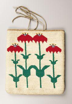 A PLATEAU CORNHUSK FLAT BAG. . c. 1900. ... American Indian | Lot #77332 | Heritage Auctions