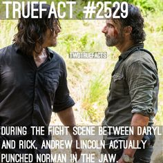 """6,136 curtidas, 82 comentários - If I Posted It.. Its True. (@twdtruefacts_) no Instagram: """"What did you think of last nights episode? (Before some of you throw hate at us for posting this.…"""""""