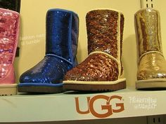 UGG's season is coming, I'm glad I can put on my favorite shoes. Last year I bought a few pairs of UGG in this website, the quality was satisfied, and very cheap, only $39.