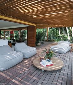 Des espaces lounge sur la terrasse