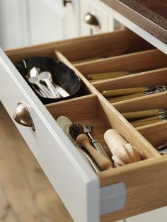 Sigdal kjøkken - Herregaard Inframe Shoe Rack, Kitchen Decor, Tray, Vanity, Interior, House, Design, Makeup, Dressing Tables