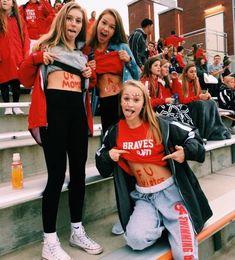 See more of vscomoodzz-'s VSCO. Photos Bff, Best Friend Photos, Bff Pictures, Best Friend Goals, Bff Pics, High School Pictures, Cheer Team Pictures, School Pics, Friend Pics