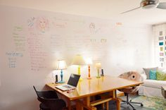 DIY whiteboard wall – write on your walls! Whiteboard paint paint rollers, trays, drop cloth and paint brush light grit sand paper damp rag painter's tape Diy Whiteboard, Architectural Digest, Layout Design, 3d Design, House Design, Dry Erase Paint, Ikea, Wall Writing, Empty Wall