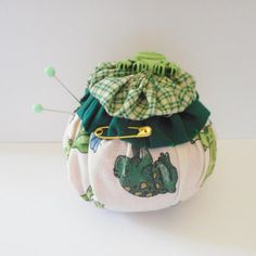 FROG Yo Yo Pincushion with matching FROG Button by Happy2BCrafty