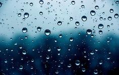 REGEN - wenn er:   ...an Fensterscheiben die triste Welt draußen verschwommen schön macht    ...Pfützen entstehen lässt wo sich alles drin spiegelt    ...in solchen Massen vom Himmel fällt dass man meinen könnte, die Welt geht unter    ...mir einen Grund gibt, für einen kuschlig faulen Sonntagnachmittag    ...im Sommer die Luft klar und rein wäscht und dann alles so gut riecht
