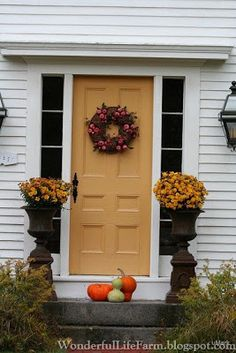 Wonderful Life Farm: Autumn Front Doors in New England