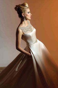Victor Harper - Couture  Designer Bridal Gown - Style VHC205