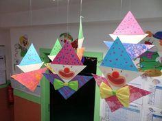 We make carnival hats in the crib - Fasching Basteln Clown Crafts, Circus Crafts, Carnival Crafts, Diy And Crafts, Crafts For Kids, Arts And Crafts, Paper Crafts, Creative Crafts, Craft Tutorials