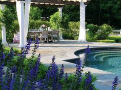 English-Inspired Connecticut Garden - Traditional Home®