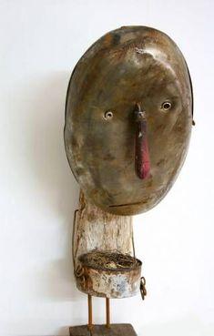 Le nid - (nest) by Christian Voltz Art Altéré, Art Jouet, Creation Art, Found Object Art, Art Sculpture, Ceramic Figures, Junk Art, Assemblage Art, Recycled Art