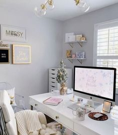 Easy Ways To Add A Home Office To Your House Home Office Design, Home Office Decor, Office Ideas, Remodeling Mobile Homes, Home Remodeling, Small Sitting Rooms, Cheap Mobile Homes, Big Desk, Living Room Decor Cozy