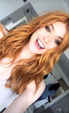 Pretty Redhead, Redhead Girl, Medium Hair Styles, Long Hair Styles, Red Hair Woman, Peinados Pin Up, Beautiful Red Hair, Hair Color For Women, Ginger Girls