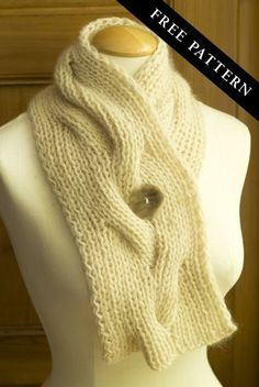 Reversible cable neck wrap or muffler free pattern.