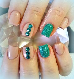Teal accent acrylic nails