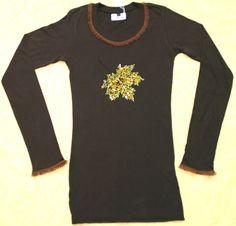 *Achtung, zu diesem Shirt gibt es gratis eine Glamour- Kette!!*  Das Shirt ist ein Unikat, da die Edel- Kristalle des Motivs farbig immer etwas unters