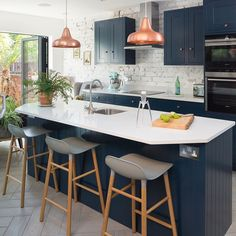 Navy kitchen makeover with mini side return extension 4 Kitchen Flooring, Kitchen Countertops, Kitchen Dining, Rustic Kitchen, Kitchen Backsplash, Kitchen Sinks, Small Kitchen Diner, Kitchen Diner Extension, Country Kitchen