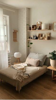 Small Room Design Bedroom, Room Ideas Bedroom, Home Decor Bedroom, Scandinavian Bedroom Design, Bedroom With Plants, Bedroom Ideas For Small Rooms Cozy, Small Bedroom Inspiration, Cheap Bedroom Ideas, Nature Bedroom