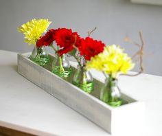 Vasen - Blumenvasen in weißer Holzkiste shabby chic style - ein Designerstück von SchlueterKunstundDesign bei DaWanda