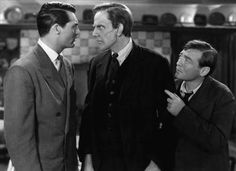 'Arsenic and Old Lace' is a hugely entertaining black comedy movie directed by Frank Capra and starring Cary Grant, Raymond Massey, and Peter Lorre. Cary Grant, Hollywood Actor, Classic Hollywood, Old Hollywood, Hollywood Icons, Halloween Film, Alfred Hitchcock, Old Movies, Great Movies